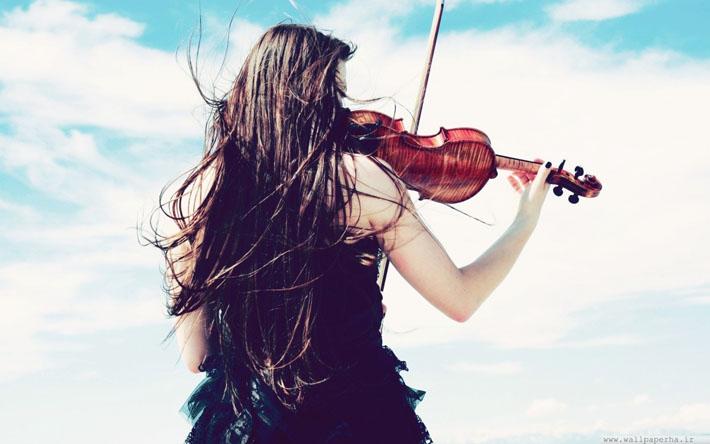 قالب زیبای دختر و ویولن